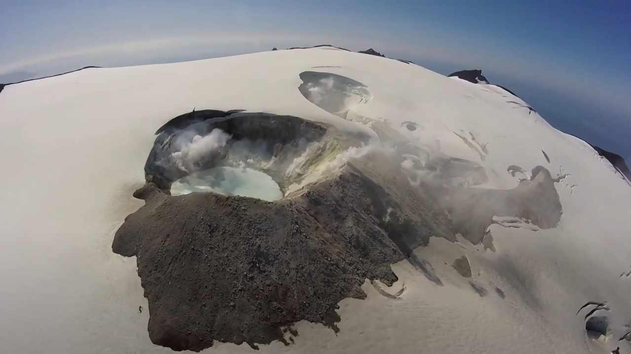 Вулкан Макушина, Аляска,США.