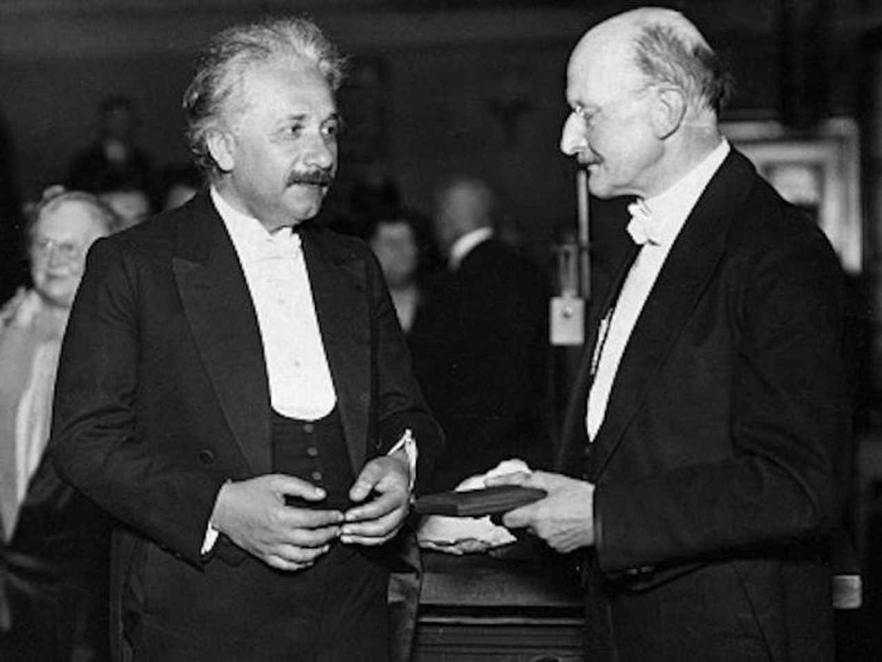 Нобелевская премия по физике Эйнштейну
